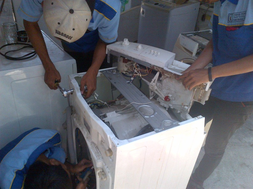 Service Mesin Cuci Bukaan Depan Serpong Bergaransi