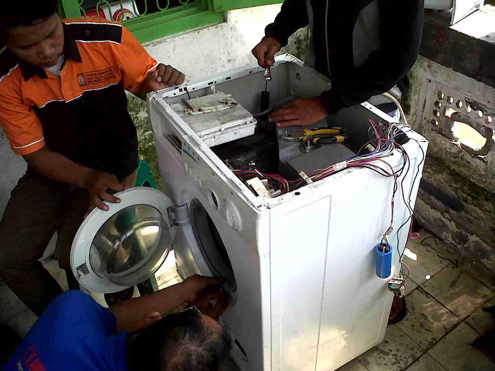 Perbaikan mesin cuci bsd